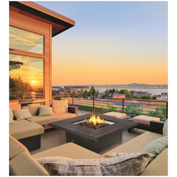 hampton-square-table-roomset-outdoor
